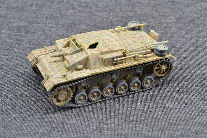 Sturmgeschutz IIIC/D Stug III 1/72 German Armored Fighting image 0