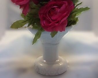 Milk Glass Open Mouth Vase Daisy and Diamond