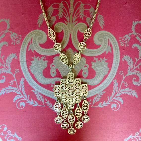 Vintage 1970s or 1960s Boho Gold cross Pendent Nec