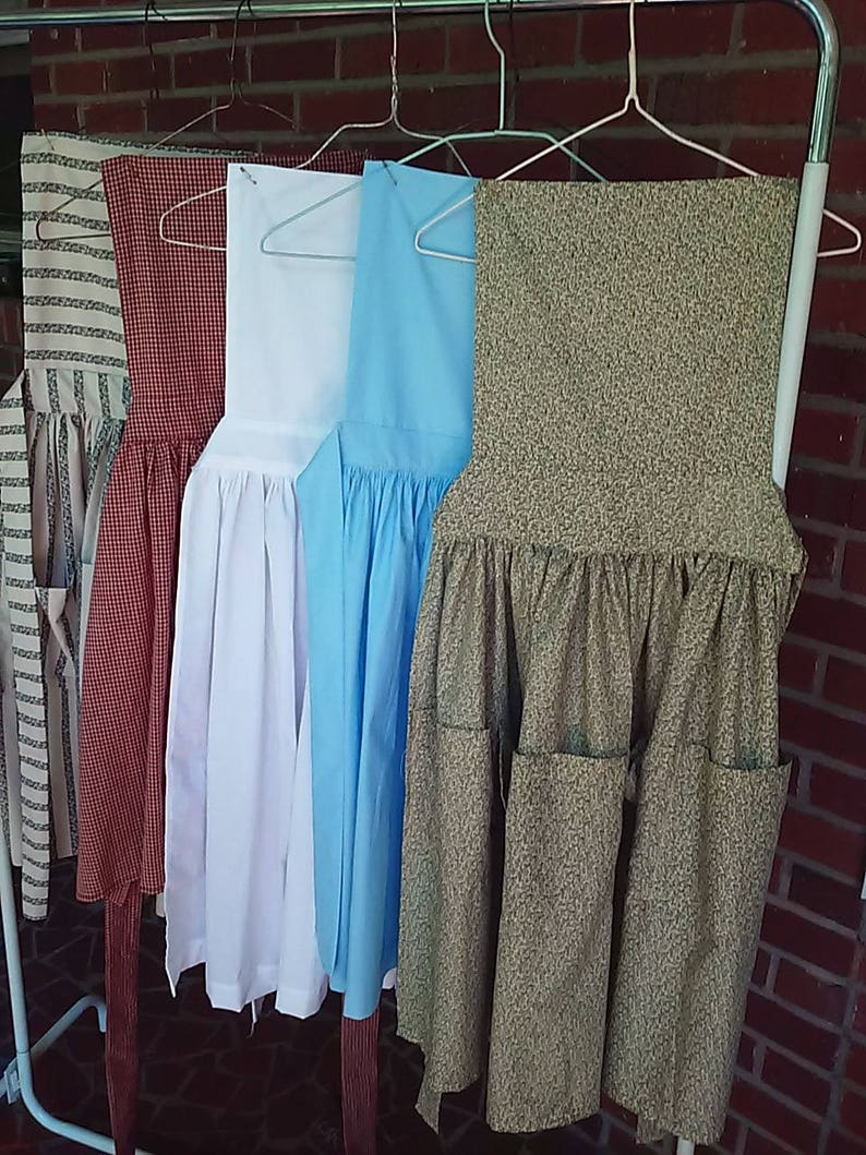 Vintage Aprons, Retro Aprons, Old Fashioned Aprons & Patterns Victorian Ladies Pinner Bib Aprons $20.00 AT vintagedancer.com