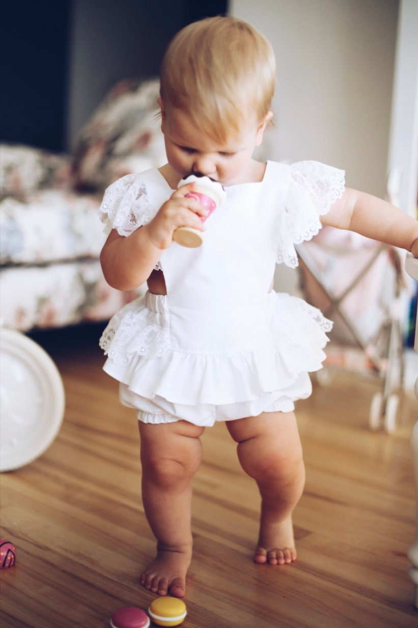 White Lace Romper Baby Girl Blush Sitter Photoshoot Outfit First Birthday Smash Cake Lace Bodysuit Flamingo Boho Chic Spring Peach Cotton