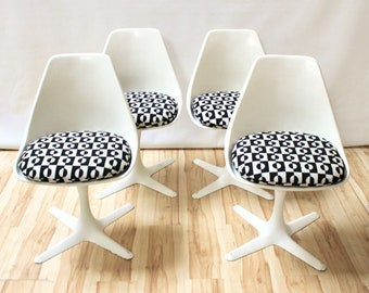 Set of Four 1960s Fiberglass Tulip Chairs by Burke
