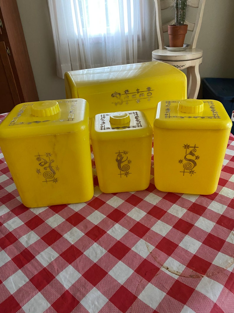 lustro ware 3 piece canister set with matching breadbox