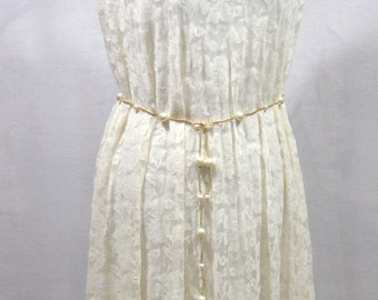 Gold tone pearl belt, Wedding dress belt, White pearls chain, Pearl belts, women dress belt, chic jeweled belt, classic dress belt