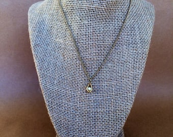 Gold geometric necklace, geometric jewelry, vintage geometric jewelry, Vintage necklace, trapped pearl necklace, vintage chain,