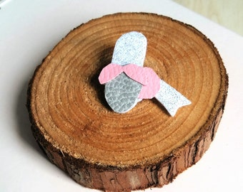 Leather brooch Felt Bigoudene pink glitter