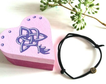 Wooden jewelry box, heart box, celtic bracelet, saint valentin collection