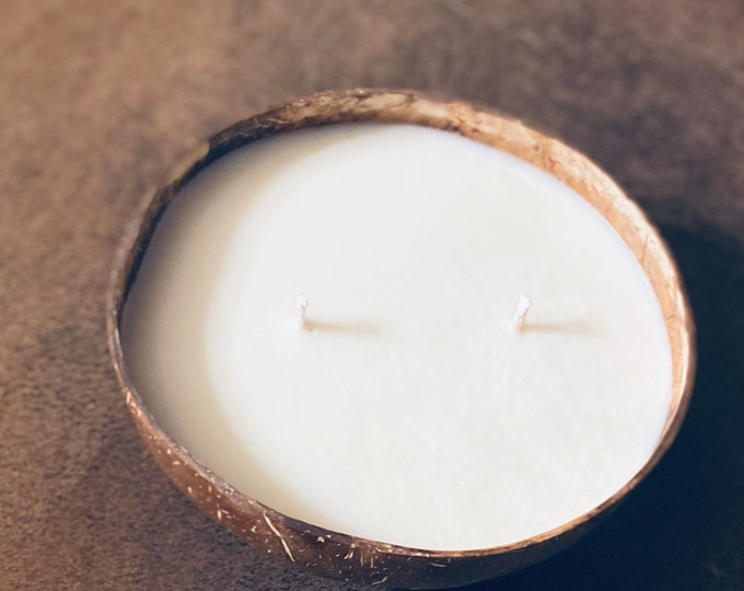 Vegan Handcrafted Coconut Bowl Soy Lotion Candle/ Handcrafted Coconut Bowl / 16oz Coconut Bowl