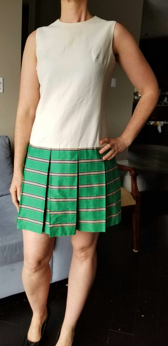 60s Does the 20s, Green and Cream Coloured Drop Wa