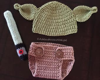 Infant Yoda with lightsaber, baby gift, cute baby gift, Star Wars, baby shower present, newborn photo prop, Crochet, Star Wars baby shower