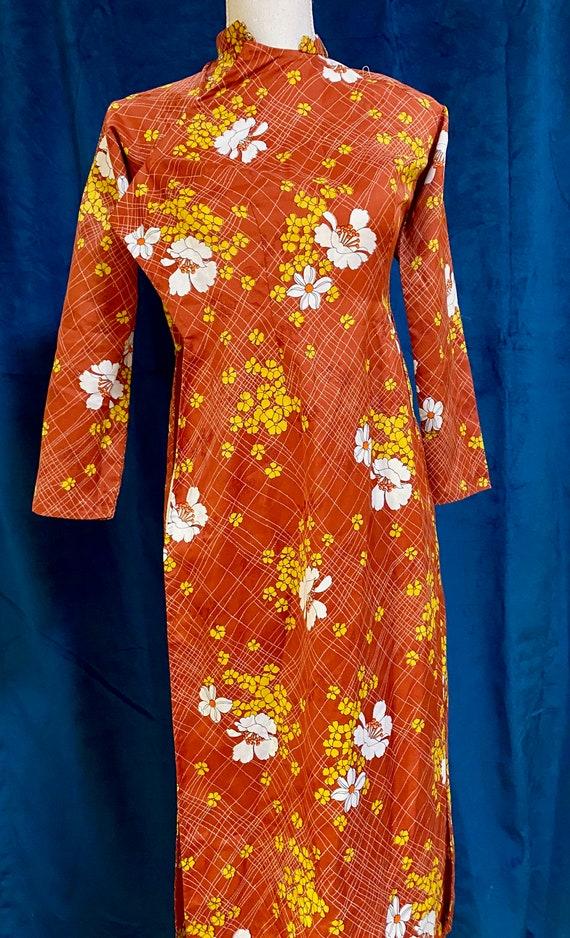 Vintage Autumn Long Sleeve Qipao // Vintage Handm… - image 2