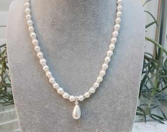 Freshwater Pearl Necklace with Matching Drop Earrings