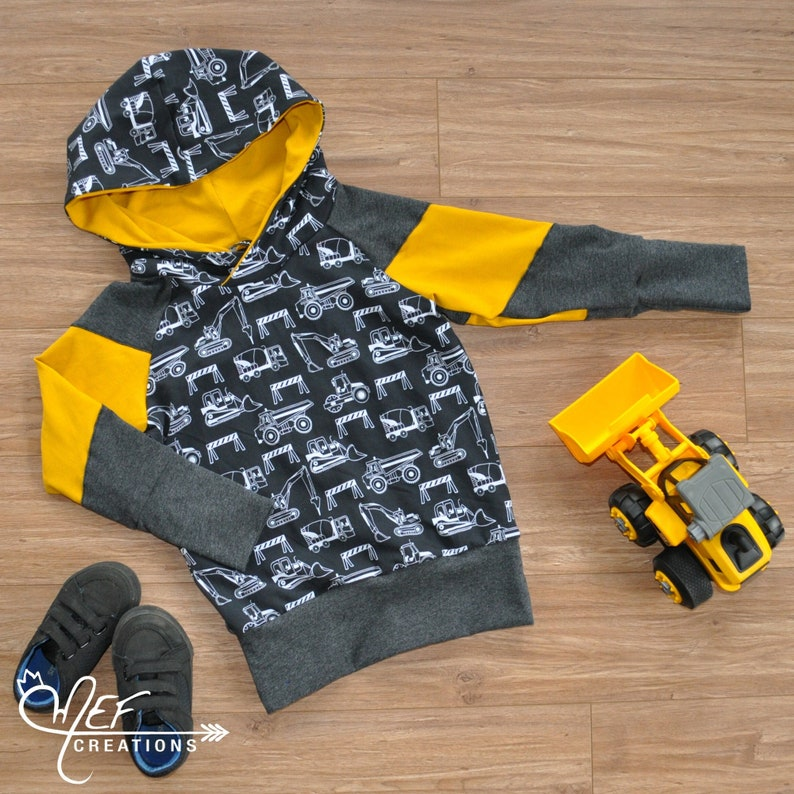 Hooded sweater grow with me with construction vehicules for baby and toddler