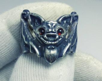 bat ring animal cute jewelry bats.flittermouse. rearmouse.sterling silver 925.gothic ring.boho style.vampire bat ring.garnet cabochon eyes