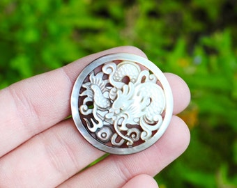 Mother of Pearl Cabochon / 35mm / Decorative Carved Shell Cabochon / CAB052