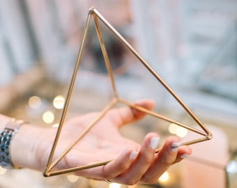 Geometric decor - Wedding table decoration - Candleholder - Wedding flower holder - Loft - Industrial - Frame pyramid - Candle holder
