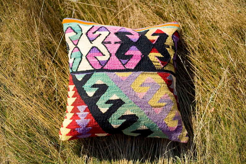 Turkish Kilim Cushion Cover / Kilim Pillow Cover / Turkish image 0