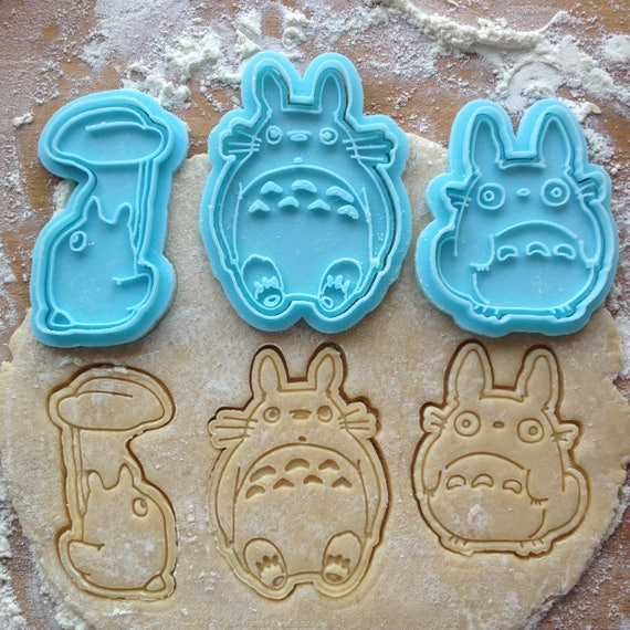 Totoro cookie cutters set. 3 cookie stamps in set: Totoro, Chibi Totoro, O-Totoro.
