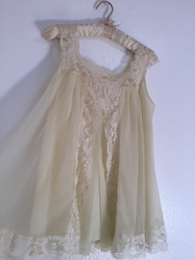 Vintage 60s 70s Shadowline Pale Yellow Nylon Lace Babydoll