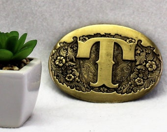 """Vintage initial """"T"""" belt buckle made of solid brass."""