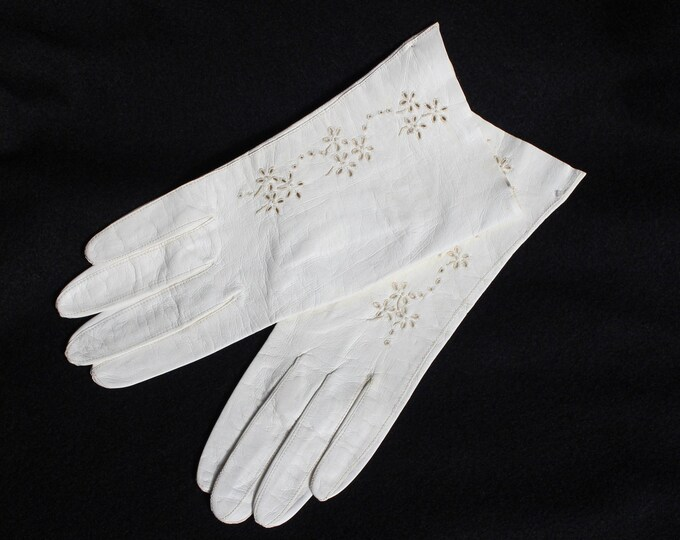 White Kid Leather Gloves with Cut Outs Never Worn. Vintage white Leather gloves. Floral Cut Out Wedding gloves.  Something Old