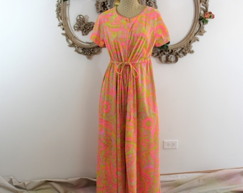 Lingerie Hostess Gown. Designer Evelyn Pearson 1960's Lounging Gown in bright psychedelic print.  Vintage full length dressing gown.
