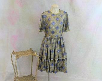 Prairie Style Metallic Print dress with Short Sleeves.  FUNKY Vintage Square Dancing Dress.