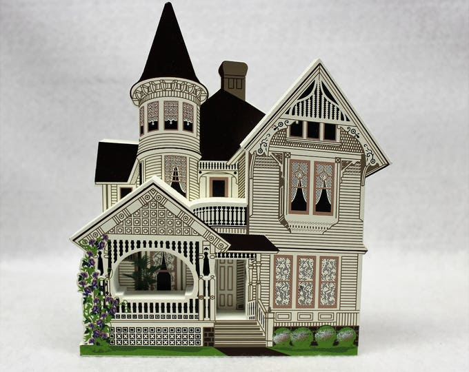 Shelia's Collectible 1996 Drain House historical house replica autographed and numbered.