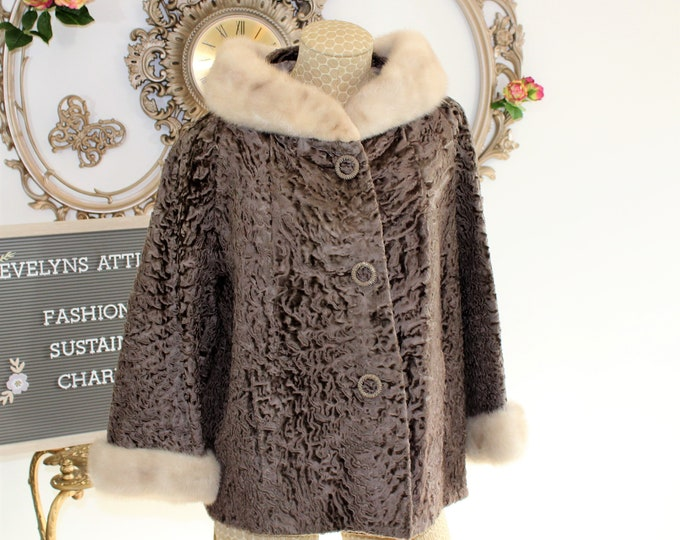 Women's Winter Coat. 1960's Fur Swing coat Fit Modern Size M To L. Persian Curly Lamb with White Mink Collar and Cuffs jacket.