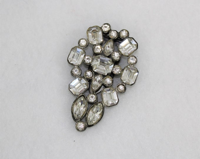 1930's Art Deco Rhinestone Brooch with Dress Clip.  Vintage Clear Rhinestone Brooch Large size with 1930's Dress Clip clasp.  Antique Pin