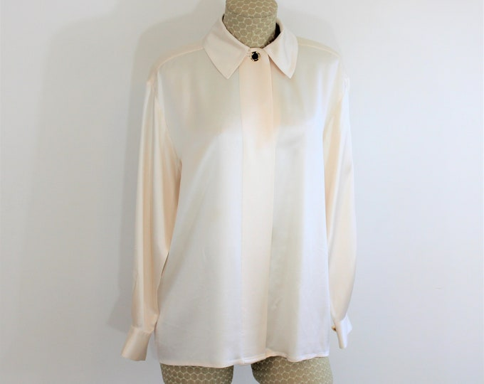 St. John Silk Blouse in Size 8 Cream Colored.  Off White Silk Shirt by St. John