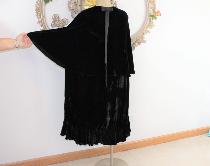 1920's Black Flapper Coat.  Silk Velvet Opera Coat with Cape Sleeves and Bottom Ruffle.  Great Gatsby Flapper Roaring 20's