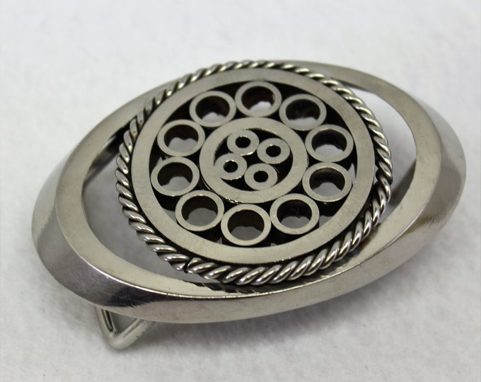 Silver Unisex Belt Buckle with Circle Design. Statement accessory. Heavy Metal oval Buckle,