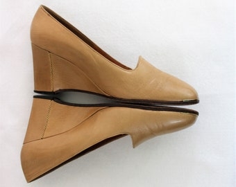 Women's Shoes.  Casual leather shoes by Joseph. Tan wedges.  Size 7 1/2 N Narrow Joseph Tan Wedge heels