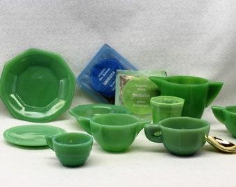 Children's green jadeite agate tea set.