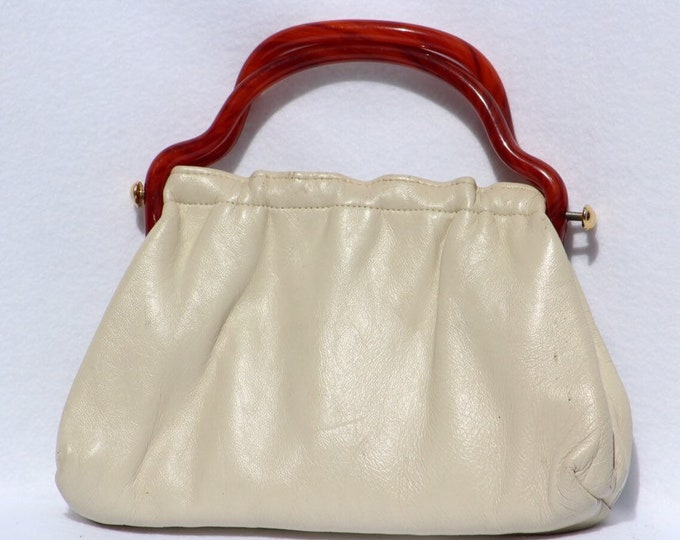 Leather Purse Cream Colored with twisted tortoise colored handles.  Vintage 1960's Leather handbag,