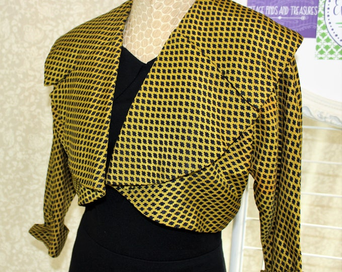 1940's Cropped Jacket with Shawl collar in Chartreuse Green and Black. Vintage cropped coat or shrug.