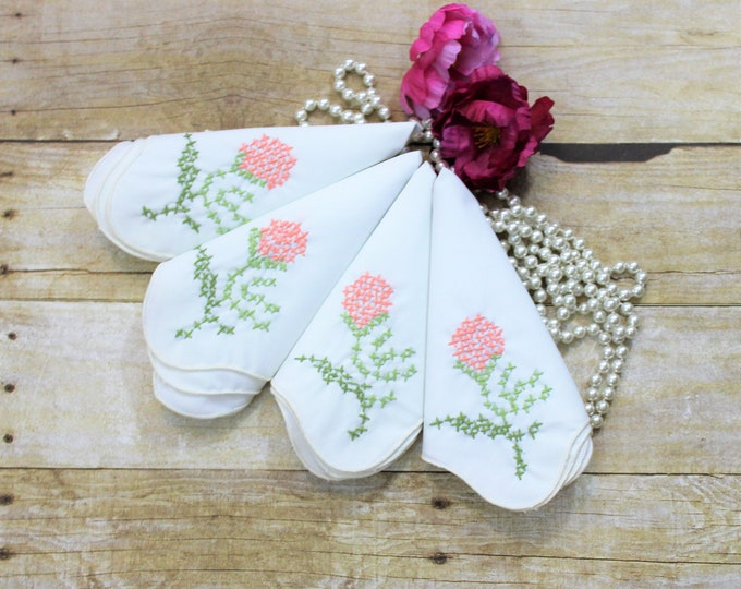 4 Farmhouse vintage White Cloth Napkins square and embroidered with flowers.