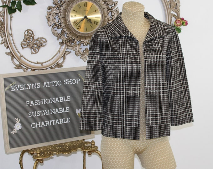 Brown Plaid Cropped Wool Jacket Size 12 circa 1960's by Kimberly. Wool Knit Jacket in Brown Plaid Houndstooth Pattern.  Vintage Boxy Coat.