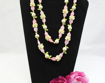 Long Pink Daisy and Faux Pearl Necklace, Vintage flower child Necklace circa 1970's