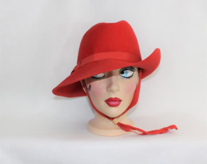 Red Wool Fedora Women's Hat with adjustable chin strap by Terry Sales milliner.  Vintage ladies fedora.  Vintage Red Wool Hat.