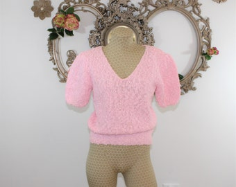 Pink Sweater size Medium. Short Sleeve Nubby Knit Sweater.  Cropped Pink Sweater Size M Vintage 1980's with shoulder pads.