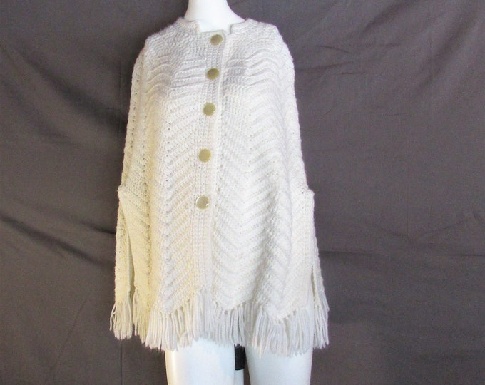 White cape hand knit. Vintage fringe cloak or cape from 1970's one size fits all