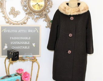 1960's Brown Winter Coat with Mink Collar and 3/4 Length Sleeves.   Vintage Forstmann fur collared coat with big buttons.