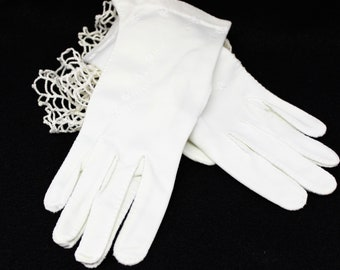 Hand Stitched Wrist Gloves in Cream color with scalloped wrist detail and Embroidery.  Size Fits Most Hands Stretchy,