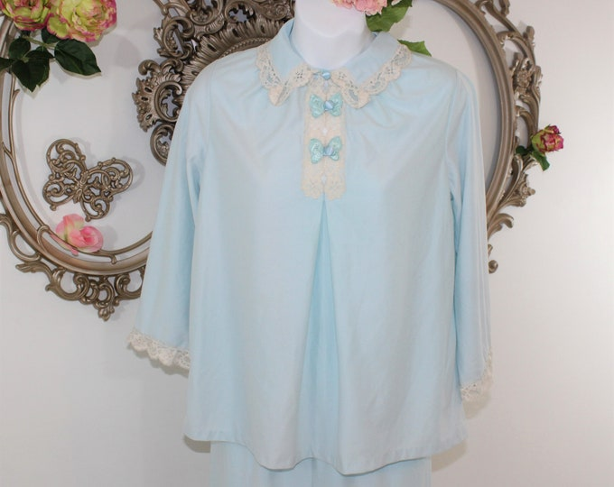 Soft Vintage Flannel PJ's size 32 Small.  Sears Blue Pajamas size 32 with lace trim.