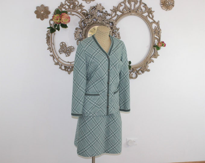 Knit Skirt Suit by Butte Knit.  skirt suit size 8 in blue green and white plaid.  Straight knit skirt and matching cardigan styled jacket.