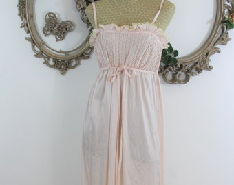Oscar De La Renta night gown. Vintage new with tags. Long, sweet and sexy.