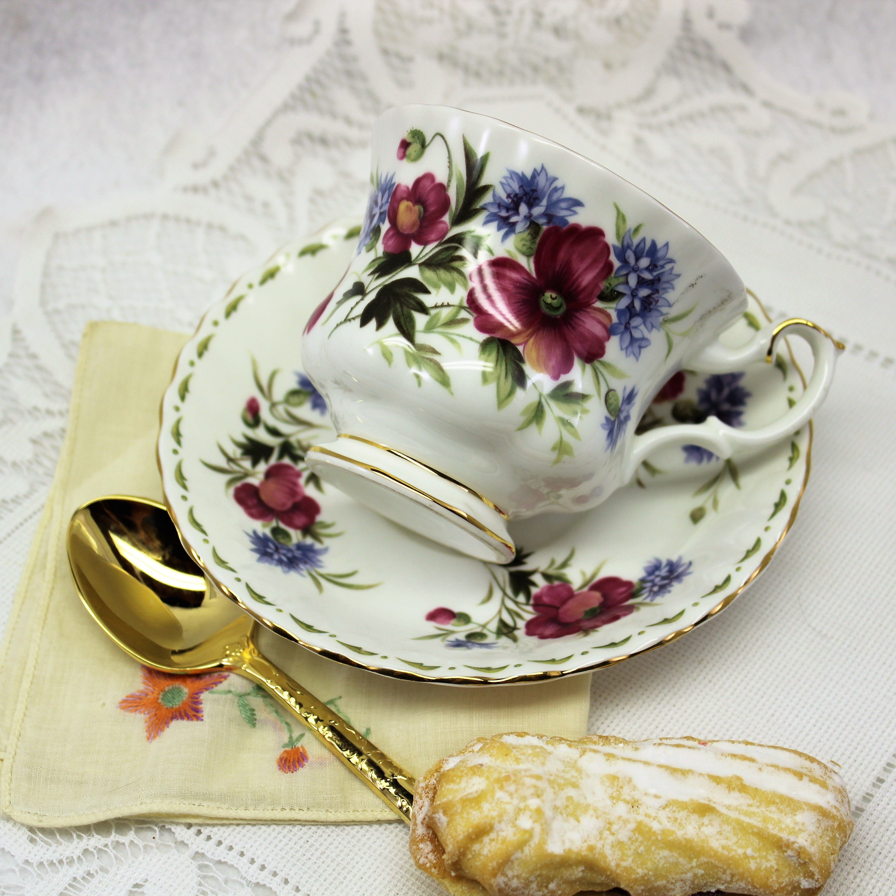 Royal Albert Flower Of The Month Tea Cup August Poppy Tea Cup And