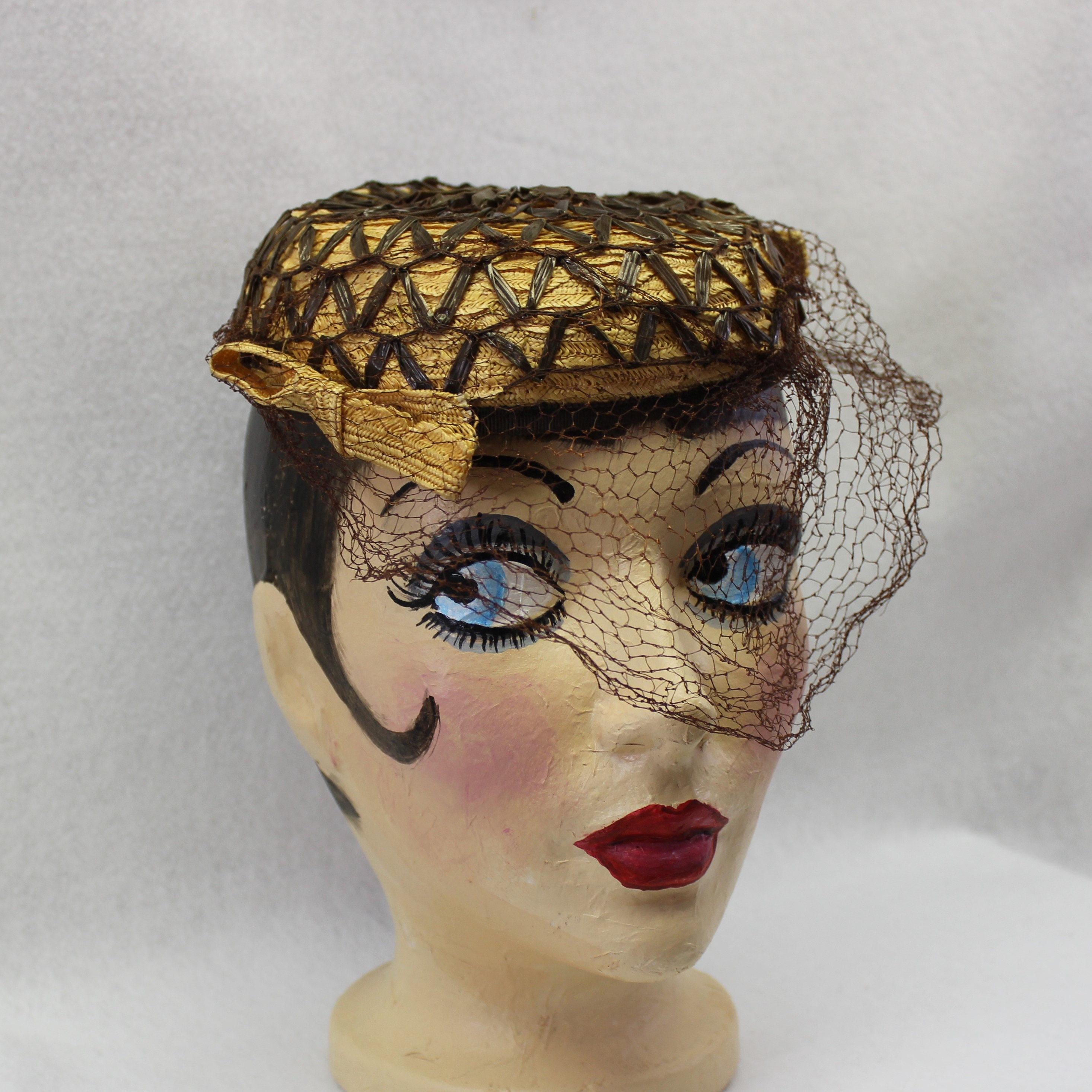 17744a757bd1b 1940 s Straw Pillbox Hat with Brown Veil - Vintage hat - Millinery ...
